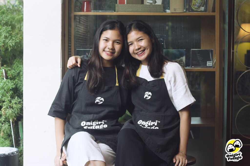 Selebgram Kembar Gianty Yuneztia Putri Nasution dan Kianty Yunaztia Putri Nasution.