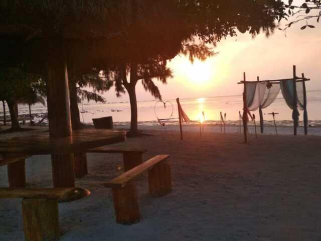 Resort Bintan Brzee Beach