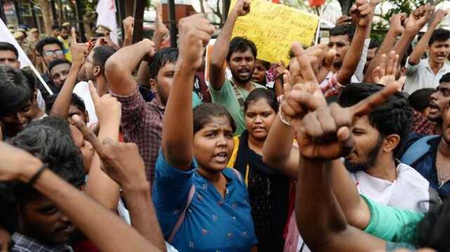 Bentrokan di New Delhi