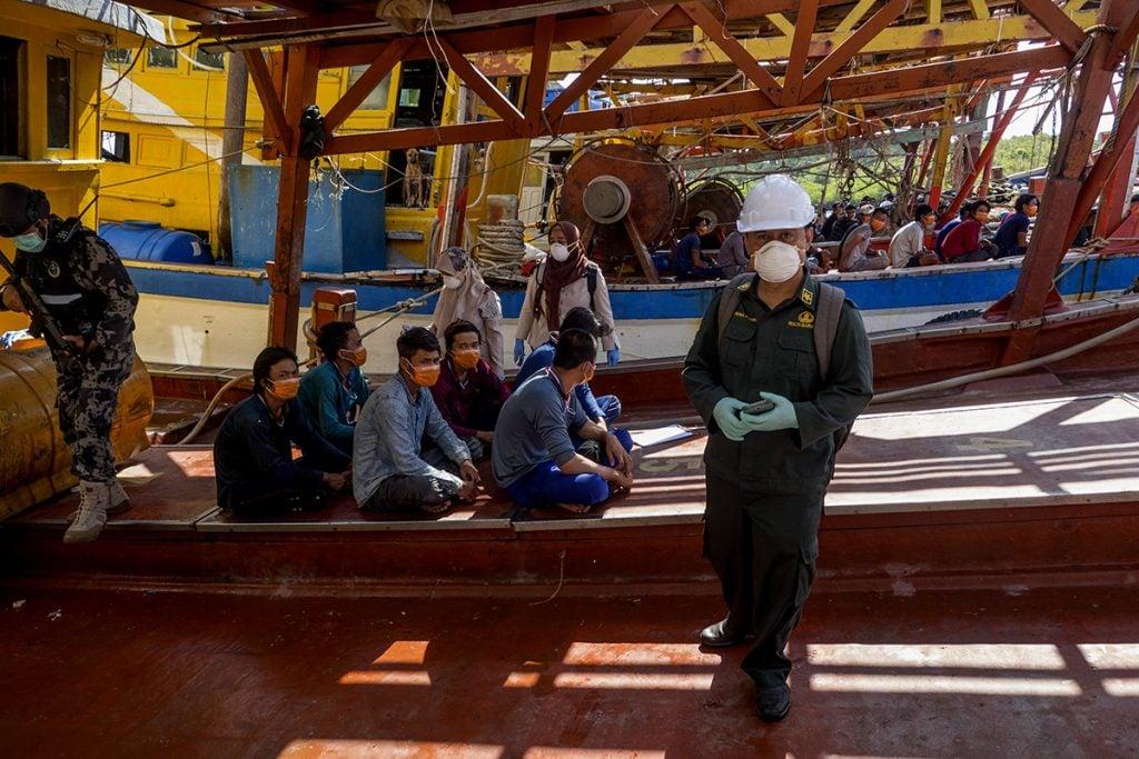 Pemeriksaan Bebas Virus Corona Terhadap 68 Nelayan Vietnam