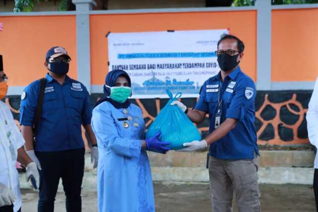 PT. Angkasa Pura II Berbagi 750 Paket Sembako ke Pemko Tanjungpinang