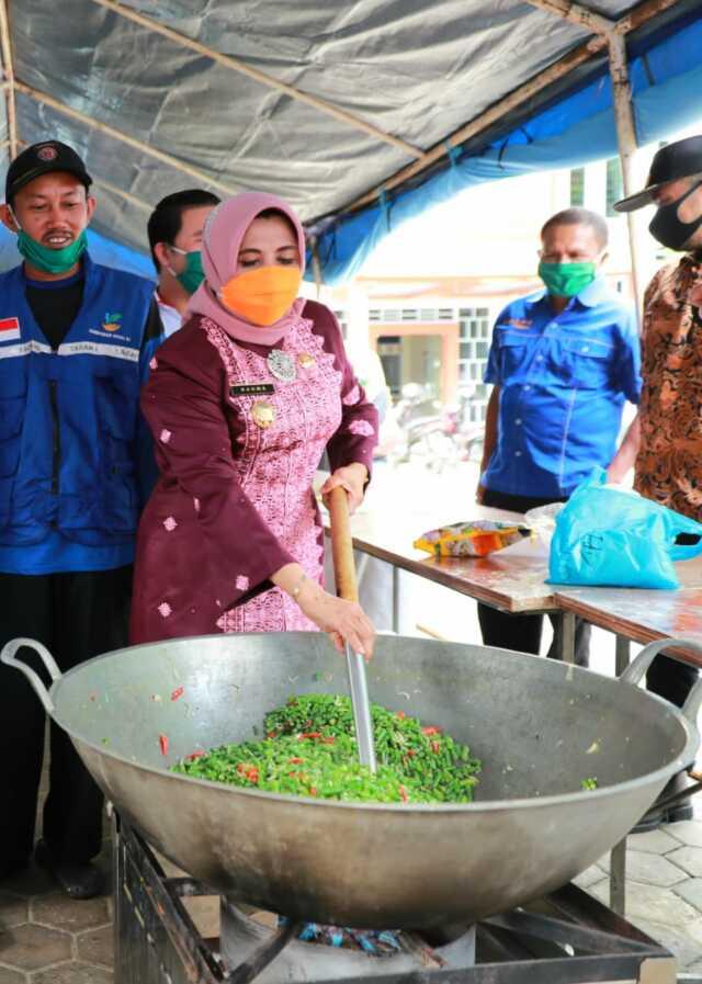 Rahma Katakan Dapur Umum untuk Membantu Masyarakat
