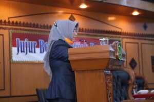 Plt. Walikota Tanjungpinang Sampaikan Ranperda Tentang Pertanggungjawaban Pelaksanaan APBD 2019