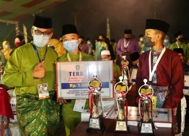 Batam Boyong Piala MTQ