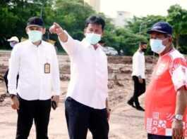 Wali Kota Bata saat meninjau Bandara Hang Nadim