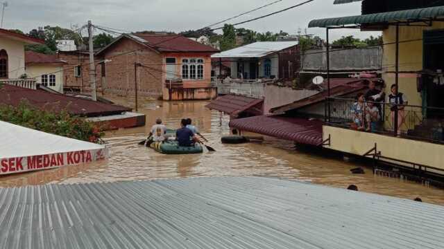 Medan Dikepung Banjir