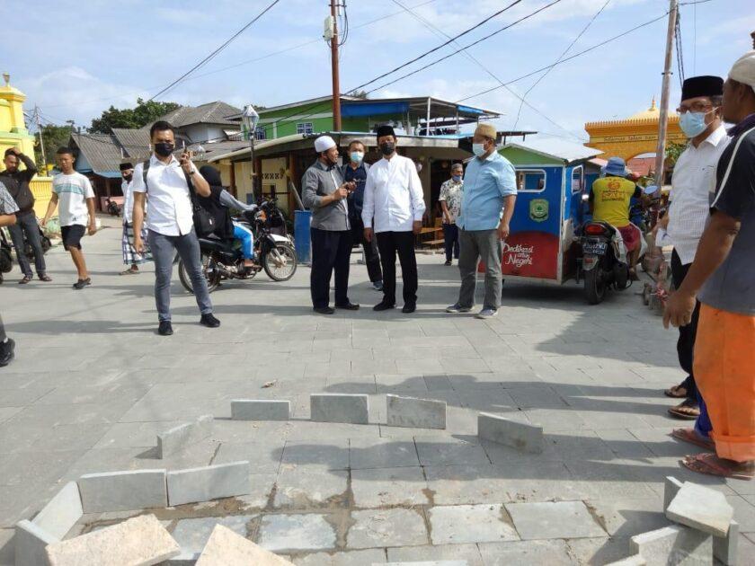 Isdianto Tinjau Pengerjaan Penataan Jalan Di Pulau Penyengat Barakata Id