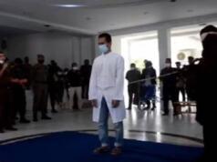 Pasangan Gay Aceh Dicambuk
