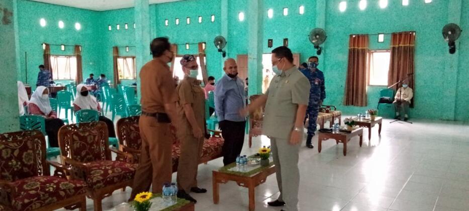 Danlanud dan Ketua DPRD memantau pelaksanaan rapid test