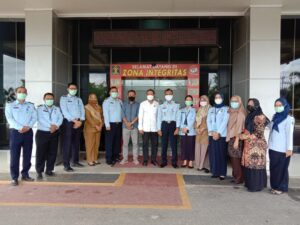 DPRD dan Kumham Kepri foto bersama