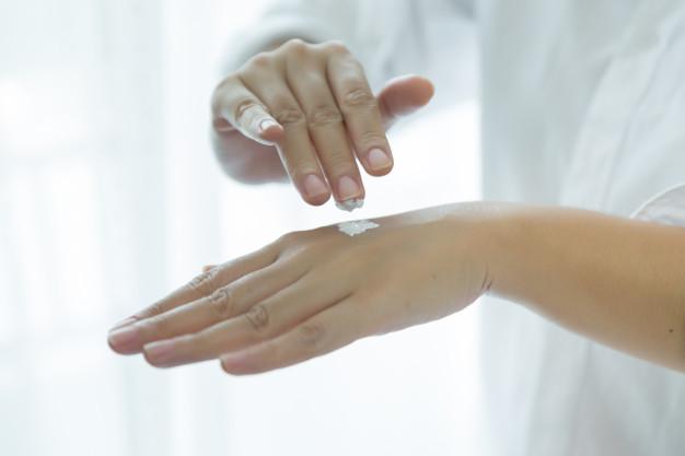 Merawat Tangan Kering