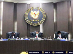 Ketua Bawaslu Bintan dipecat.dari jabatannya.