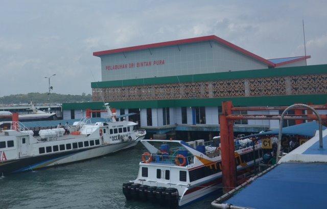 Sentra Vaksinasi di Pelabuhan