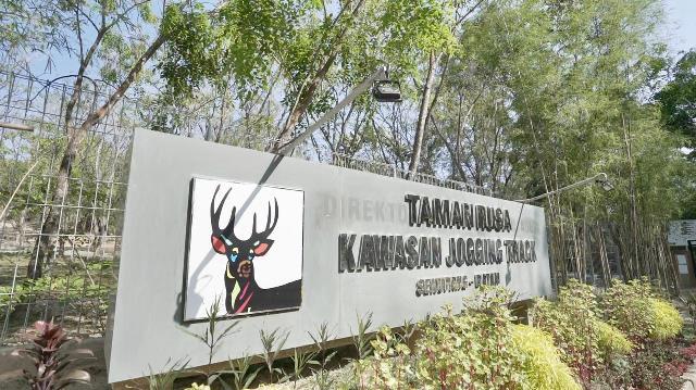 Taman Rusa Dilengkapi Kolam