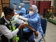 Vaksinasi di Bandara Hang Nadim