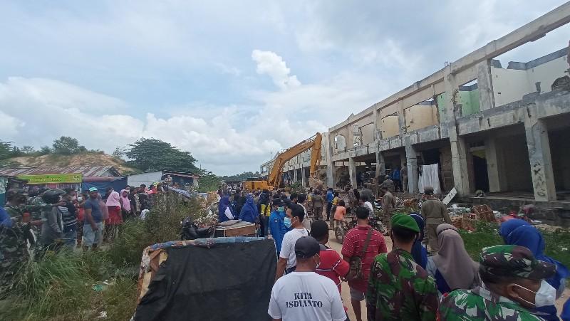 Pasar Induk Jodoh Dibongkar