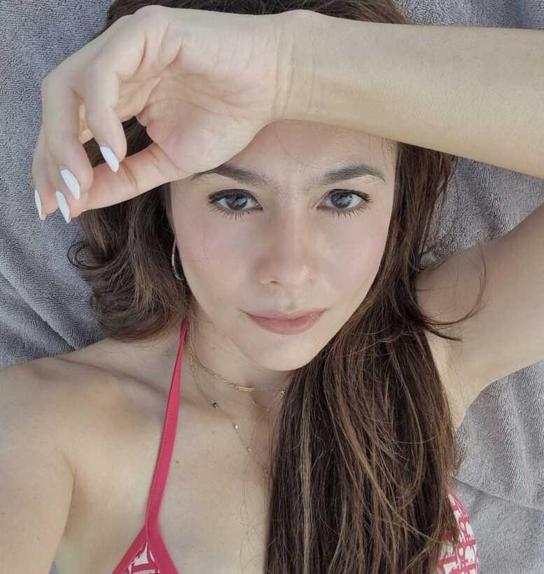 Hot Mom Wulan Guritno