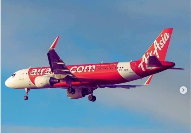 Air Asia Hentikan Penerbangan