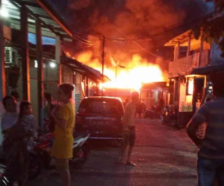 Rumah Batam Terbakar