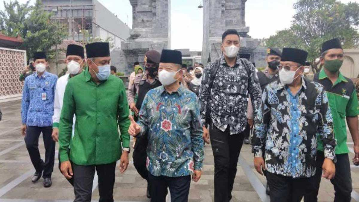 Menteri Bappenas Ditodong Walikota Blitar